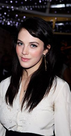 Jessica Brown Findlay photos, including production stills, premiere photos and other event photos, publicity photos, behind-the-scenes, and more.