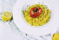 How to make the Perfect Risotto! Risotto alla Milanese, Risotto al Limone;I can go on and on… Risotto is a dish that is associated with fancy high-end restaurants, but re… Italian Rice, Italian Dishes, Italian Recipes, Italian Risotto Recipe, Pasta Making Class, Shrimp Risotto, Lobster Risotto, Cauliflower Curry, Chickpea Curry