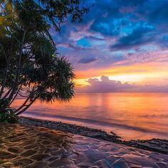 #Repost @edaccessible:Photo w@sukiminthio  Senggigi Beach  in Lombok Indonesia  #beach #sun #nature #water #TagsForLikes #TFLers #ocean #lake #instagood #photooftheday #beautiful #sky #clouds #cloudporn #fun #pretty #sand #reflection #amazing #beauty #beautiful #shore #waterfoam #seashore #waves #wave #indonesia