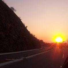 Los paisajes que se aprecian en carretera! :D