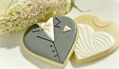 Bride and Groom on a Heart cookie