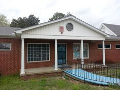 AUCTION RAIN OR SHINE Thursday, May 7, 2015 at 1:00 p.m. Location: 1011 N Highland Ave, Jackson, TN 38301 (Sale Will Be Conducted From This Location) Auctioneer's Comment: NO BUYER'S PREMIUM. may7-1pm-house2 ALTERNATE GALLERY COMMERCIAL OR RESIDENTIAL REAL ESTATE Properties will be Offered Separately and as a Whole to Achieve Maximum Possible Price. No Buyer's Premium. House at 1011 North Highland Ave., Jackson, Tn Tract One 1011 North Highland Ave., Jackson, Tn Valuable West Tennessee Real…