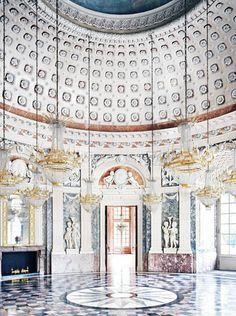 Candida Höfer, Benrather Castle Dusseldorf V 2011 © Candida Höfer, Cologne; VBK Vienna 2014