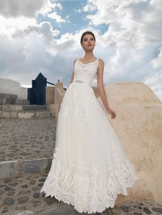 Don't like the sash, but the rest of the dress is perfect! 2015 Wedding Dresses, Wedding Pics, Wedding Blog, Wedding Gowns, And God Created Woman, Elegant Dresses, One Shoulder Wedding Dress, Wedding Inspiration, Bridal