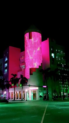 Miami Beach South Beach Florida, Miami Florida, Miami Beach, Miami Art Deco, 80s Aesthetic, City Scapes, Summer Wallpaper, Miami Vice, Tropical Landscaping