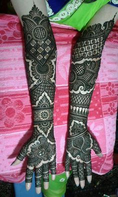 We are involved in providing Bridal Mehndi Designing Service to the customers. From traditional Indian Bridal mehndi designs to Arabic and contemporary . Here are Some New and latest bridal mehndi design for hands and legs. A beautiful selection of. Arabic Bridal Mehndi Designs, Wedding Henna Designs, Full Hand Mehndi Designs, Mehndi Designs For Girls, Mehndi Designs 2018, Mehndi Design Pictures, Mehndi Images, Rajasthani Mehndi Designs, Dulhan Mehndi Designs