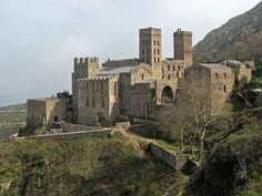 ... de Sant Pere de Rodes, Reinforced monastery on Cap de Creus, Spain
