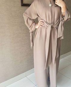 IG: Qabeela || IG: BeautiifulinBlack || Modern Abaya Fashion ||