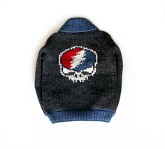 Grateful Dead skull sweater for John Mayer and The Dead and Company. Grateful Dead Skull, Skull Sweater, Dead And Company, John Mayer, Dapper, Custom Design, Winter Hats, Beanie, Sweaters