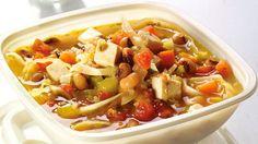 Préparez cette délicieuse recette de soupe-repas aux légumineuses tirée du livre Savoir quoi manger - Nutrition sportive.