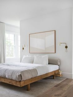 Tonal tan bedroom with wooden platform bed and neutral bedding. Photo by Tessa N… Tonal tan bedroom with wooden platform bed and neutral bedding. Photo by Tessa Neustadt – Neustadt Studio, design by thea home Wooden Platform Bed, Bed Platform, Platform Bedroom, Tan Bedroom, Bedroom Sconces, Wood Bedroom, Bedroom Neutral, Bedroom Green, Ikea Bedroom