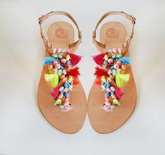 Boho artesanal cuero sandalias de Marmade - sandalias de cuero étnico Bohemia decoradas con borlas y cuentas de colores