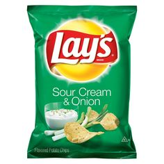 Lay's Potato Chips, Sour Cream and Onion, Oz Lays Chips Flavors, Potato Chip Flavors, Lays Potato Chips, Gum Flavors, Gourmet Recipes, Snack Recipes, Crispy Chips, Frito Lay, Sour Cream And Onion