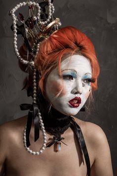 La Bete Minerve Collar Halloween Face Makeup, Collection