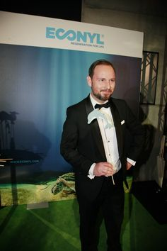 Marco Voigt - ECONYL® at the GreenTec Awards 2015 in Berlin. The Green Carpet was made by Vorwerk using ECONYL® regenerated yarn coming from fishing nets, old carpets and other pre-consumer waste. At the event we had also a photo booth with funny props inspired by our regeneration of carpets, nets and by the marine world we are fighting to save. #ethical #fashion and #design#sustainability