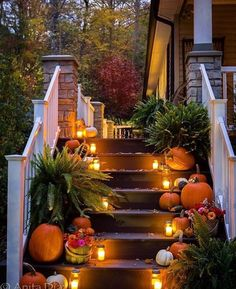Fall porch I struggled to get my porch decorated this year. With other design projects going on, combined with my own indecisiveness, I honestly t& The post Fall porch & Halloween appeared first on Fall decor ideas . Deco Porte Halloween, Casa Halloween, Halloween Jumper, Samhain Halloween, Outdoor Halloween, Fall Home Decor, Autumn Home, Seasonal Decor, Holiday Decor