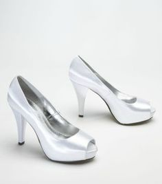 The Paloma dyeable shoe is the perfect elegant look for your 'maids and can be dyed to match any of our bridesmaid dress colors! #davidsbridal Enter the Style My Maids Sweeps for a chance to win a 500 dollar David's Bridal gift card: http://sweeps.piqora.com/stylemymaids  Ends 4/29/13 Rules: http://sweeps.piqora.com/contests/contest/content/davidsbridal.com/178/rules