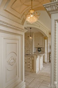 Good european kitchens at kitchen cabinets intended traditional design European Kitchens, French Country Kitchens, French Country House, Luxury Kitchen Design, Luxury Kitchens, Layout Design, Design Ideas, Luxury Decor, Beautiful Kitchens
