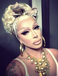 Daaaaaang girl chu eyeliner on fleek (Raven) Drag Queen Make-up, Rupaul Drag Queen, Raven Drag Queen, Drag Queens, Makeup Inspo, Makeup Inspiration, Makeup Goals, Raven Rupaul, Faux Queen