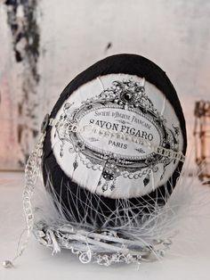 •+Nostalgie-Osterei+•+schwarz+10cm+von+Homely+TW+auf+DaWanda.com
