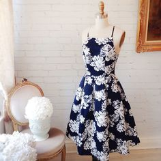 Nalda www.1861.ca #boutique1861 #floral #navy #mididress #summer #cute #fashion #montreal #lookbook