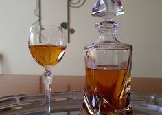 Alcoholic Drinks, Herbs, Wine, Glass, Food, Drinkware, Corning Glass, Essen, Liquor Drinks