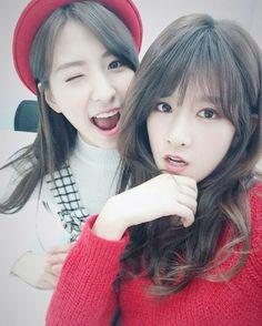 Eunseo & EXY