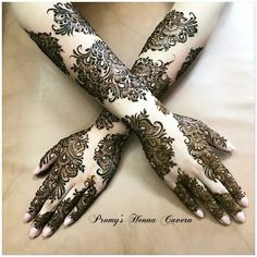 Henna designside hand design and so beautiful Arabic Henna Designs, Mehndi Designs 2018, Mehndi Designs For Girls, Stylish Mehndi Designs, Dulhan Mehndi Designs, Mehndi Design Pictures, Wedding Mehndi Designs, Beautiful Mehndi Design, Mehndi Images