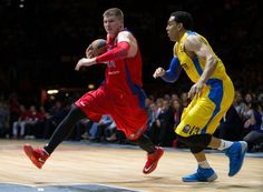 """Andrey Vorontsevich, basketball player of CSKA Moscow Basket, was wearing Nike Zoom Hyperrev """"Gym Red"""", and David Blu, basketball player of Maccabi Tel Aviv, was wearing Nike Hyperdunk 2013 Blue – Wolf Grey during the second Euroleague semifinal match.16.5.2014"""