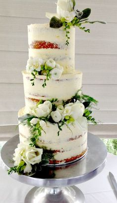 Semi-naked wedding cake Shared by Where YoUth Rise