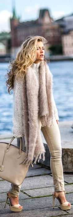 Amazing 56 Latest Fashion Trends that Totally Work for Winter https://clothme.net/2018/02/22/56-latest-fashion-trends-totally-work-winter/