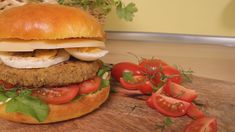 Delicious lentil burgers with homemade brioche buns! A recipe that you will lo - Best Homemade Burgers, Lentil Patty, Healthy Burger Recipes, Homemade Brioche, Lentil Burgers, Patties Recipe, Salmon Burgers, Lentils, Buns