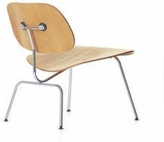 Chaise contemporaine / en bois / par Charles & Ray Eames - LCM