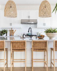 Boho Kitchen, Home Decor Kitchen, Kitchen Interior, Coastal Kitchen Lighting, Coastal Interior, Kitchen Ideas, Beach Kitchens, Home Kitchens, Coastal Kitchens