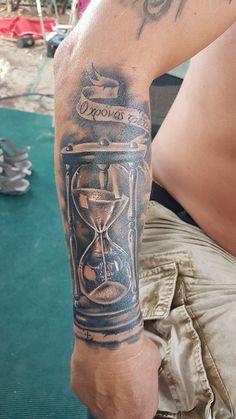 Hourglass Casino Tattoo, Vegas Tattoo, Hand Tattoos, Sleeve Tattoos, Tattoos Skull, Tattoos For Guys, Tattoos For Women, Dice Tattoo, Hourglass Tattoo