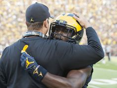 Jabrill Peppers and coach Harbough have always been great to the university of Michigan Football Presents, U Of M Football, Detroit Lions Football, Football Helmets, Michigan Athletics, Michigan Wolverines Football, Colleges In Michigan, University Of Michigan, Michigan Go Blue