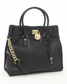 #michaelkors #black #purse WANT NOW.