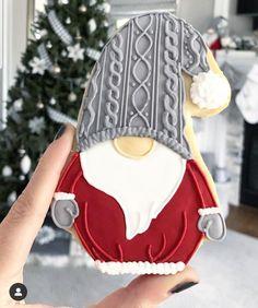 Christmas Sugar Cookies, Christmas Snacks, Holiday Cookies, Christmas Baking, Gingerbread Cookies, Fancy Cookies, Iced Cookies, Cute Cookies, Cookies Et Biscuits