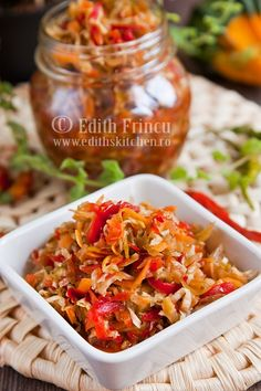 Salata de legume murate Canning Pickles, Romanian Food, World Recipes, Special Recipes, Canning Recipes, Food To Make, Curry, Food And Drink, Stuffed Peppers