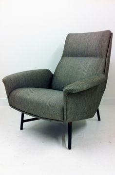 1950s modernist Italian armchair, #midcentury #chair