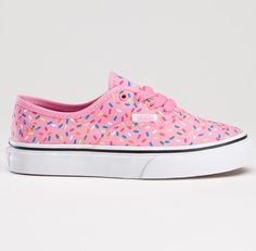 Vans ❤ I would love to wear these everyday! Who could say no to donut-themed Vans, right? ;)