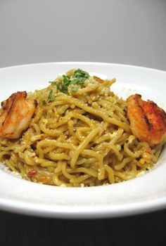 Orange Pasta with Garlic Shrimp and Orange Sauce:  Well here is another product of citrus lovers everywhere.  The pasta itself is made from orange juic...[read more at Food Frenzy]