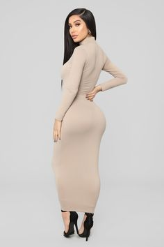 Prom Dress Shopping, Online Dress Shopping, Long Tight Dresses, Botas Sexy, Maxi Outfits, Cocktail Gowns, Maxi Dress With Sleeves, Halter Maxi Dresses, Lingerie