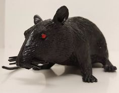 Black Rat Gag Gift Squeaky Toy Vtg Halloween Movie Prop Rubber Red Zombie Eyes