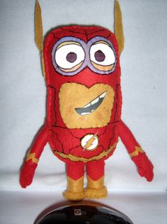 51178ad3863 Despicable Me minion as Flash. Not a problem for Flash the speedster minion.  This is a one of a kind hand made minion from Despicable Me cosplaying  Flash.
