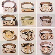 anillos sello con nombre o iniciales en plata y oro