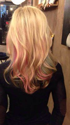 Hair Color Trends  2017/ 2018   Highlights :  Blonde Hair with Pink Highlights