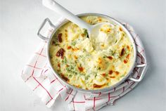 Gratinoitu kukkakaali 20 Min, Cheeseburger Chowder, Mashed Potatoes, Macaroni And Cheese, Soup, Vegetables, Cooking, Ethnic Recipes, Foods