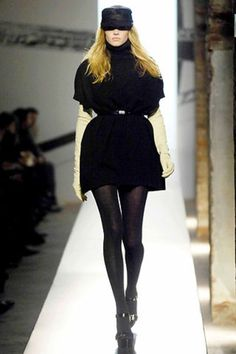 Anna Molinari Spring 2004 Ready-to-Wear Collection - Vogue Ready To Wear, Fashion Show, Anna, Runway, Vogue, Fall, Model, How To Wear, Beauty