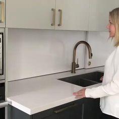 Kitchen Pantry Design, Modern Kitchen Design, Home Decor Kitchen, Interior Design Kitchen, Kitchen Organization, Home Kitchens, Diy Kitchen Storage, Organization Ideas, Kitchen Appliance Storage